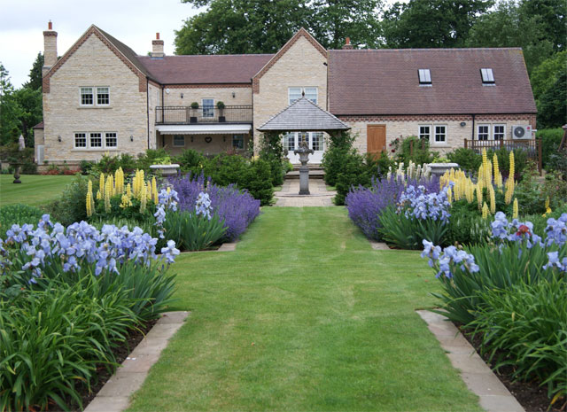 Garden design construction across north lincolnshire for Garden design yorkshire